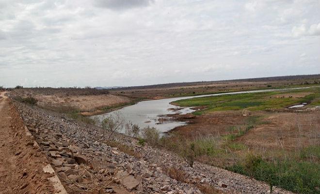 barragem barra do jua em floresta no sertao de pernambuco