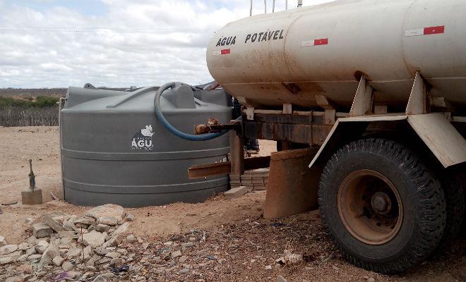 protesto pipeiros sertao pernambuco agua seca