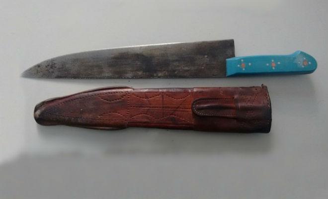faca peixeira homem ameaca esfaquear familiares em belem do sao francisco sertao pernambuco