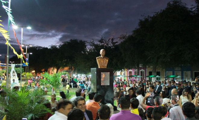 inauguracao do busto de dario ferraz de sa em floresta pernambuco