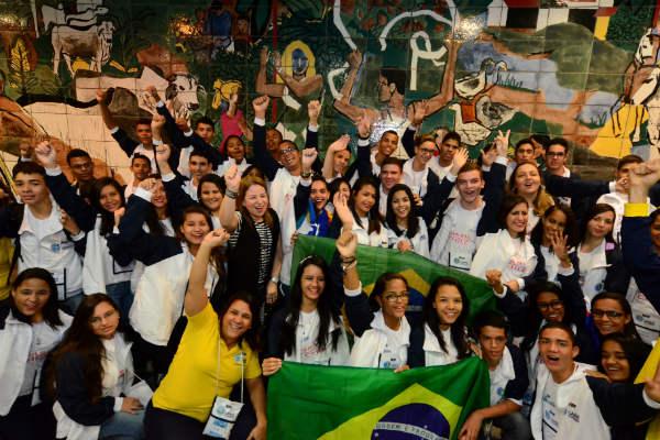 estudantes brasileiros viajam para o chile
