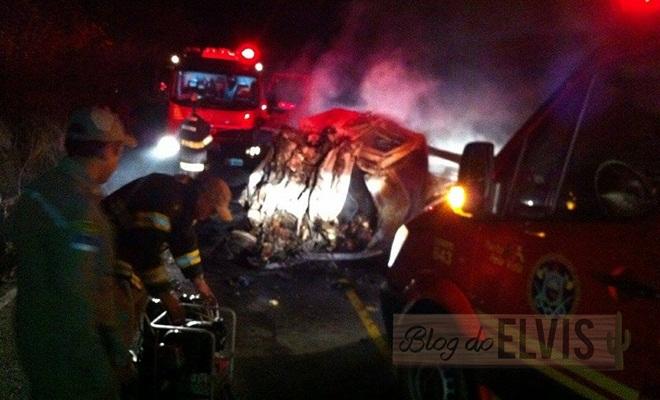acidente pe-320 entre flores-pe e carnaiba-pe (4)