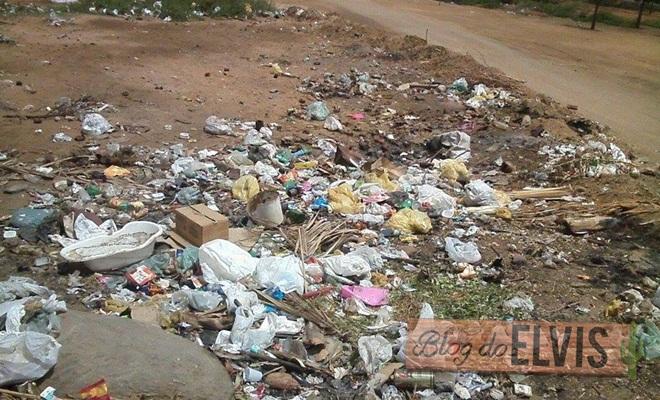 lixo em local irregular no bairro dner