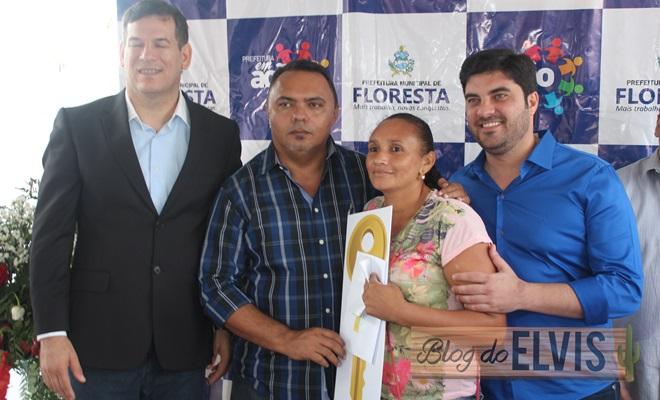 prefeitura de floresta entrega 90 casas do programa minha casa minha vida (11)