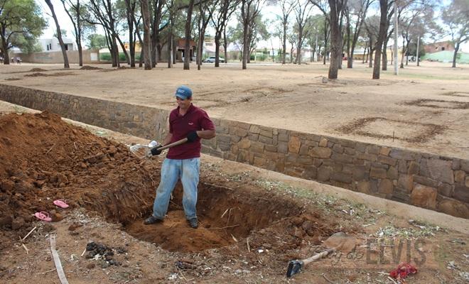 construcao de praca no parque das caraibeiras em floresta-pe (2)