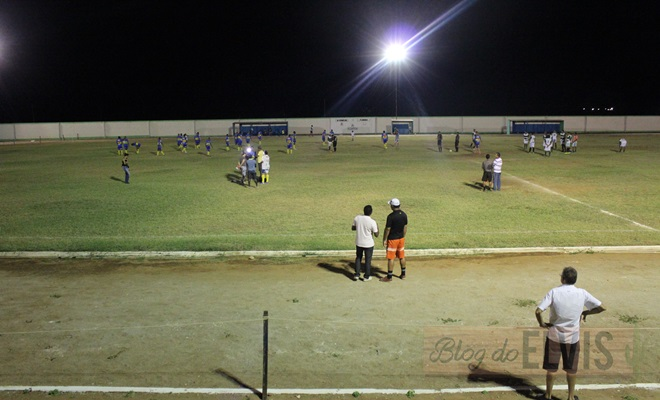 jogo de futebol no estadio joao dioclecio de souza floresta-pe (1)