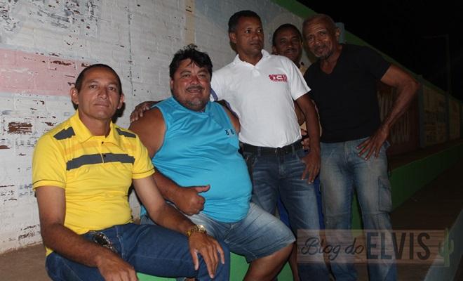 obadias novaes conversa com jogadores no estadio municipal de floresta-pe (8)
