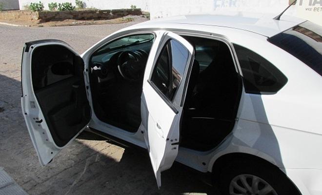 vende-se carro grand siena em floresta-pe (4)